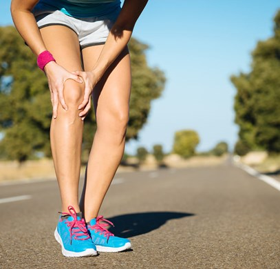 bigstock-runner-training-knee-pain-59877815